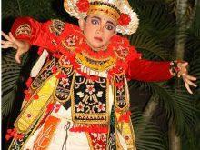 Tari Baris Bali