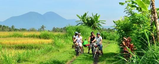 Bersepeda di Daerah Bedugul