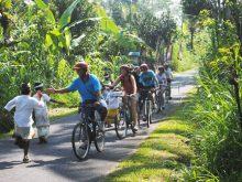 Bersepeda di Daerah Ubud